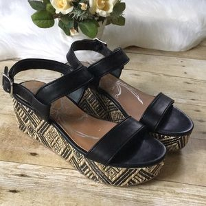 Dolce Vita Black Patterned Platforms Size 6.5